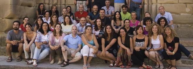 Patrick Freer con un grupo de alumnos en el curso de Canto Coral en la adolescencia de Sigüenza