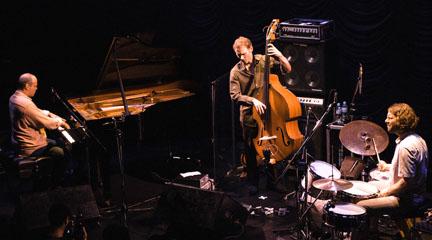 jazz  Medeski, Martin & Wood clausuran el I ciclo de jazz del CNDM