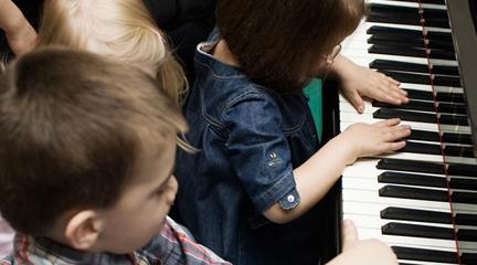 para ninos  Concierto para bebés Pía Pía Piano