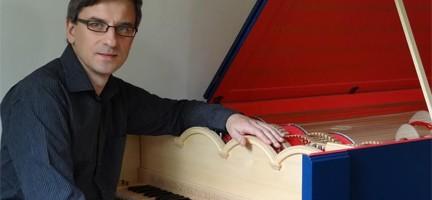 Sławomir Zubrzycki y su viola organista