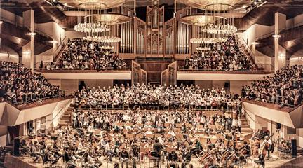 clasica  400 voces cantan el Réquiem de Mozart con la Orquesta Filarmonía