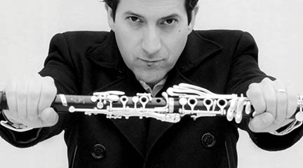 clasica  Pascual Martínez Forteza, clarinete de la Orquesta Filarmónica de Nueva York, toca con la Real Filharmonía de Galicia
