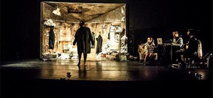 'El cínico', Losdedae. Foto: Cortesía Teatro Español