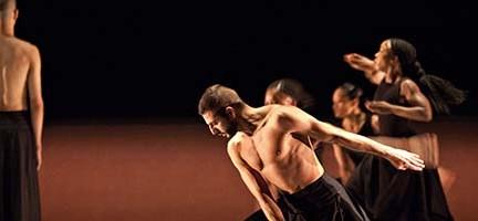 Kaash, de Akram Khan Dance Company. © Jean Louis Fernandez