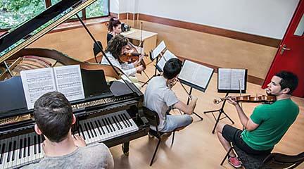 universidad  Máster Universitario en Composición Musical Cinematográfica de la UAX