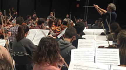 actualidad de centros  Pedro Halffter dirige a la Orquesta Sinfónica de Musikene