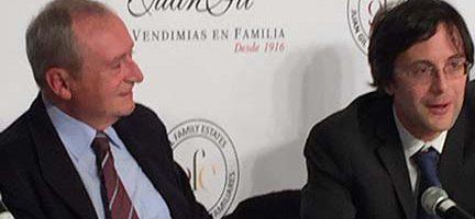 Juan Gil y Marco Valerio Antonini