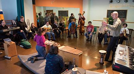 clasica  Ciclo de conciertos de Mosaico de Sonidos, que integran a orquestas y personas con discapacidad intelectual