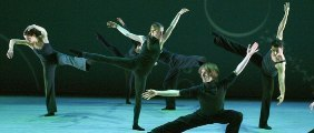 contemporanea danza  GELABERT AZZOPARDI REFLEXIONA SOBRE EL RITMO DE LA VIDA MODERNA