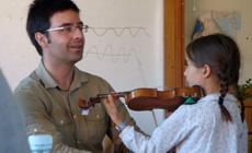 actualidad de centros  Clases de violín en grupo con Claudio Forcada