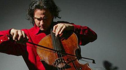 clasica  El violonchelista Jiří Bárta en el Teatro de la Abadía