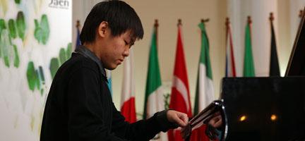 internacional  Concierto de Yutong Sun por el Premio Jaén de Piano