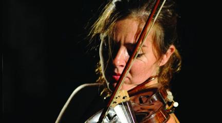 mas madera  El Stradivari Vesuvio en manos de la joven violinista Lucia Luque