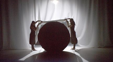 para ninos  Las Constelaciones de Miró giran en el Teatro de la Abadía