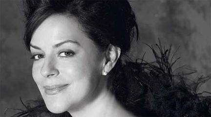 internacional  Nancy Fabiola Herrera celebra en Nueva York los 80 años de García Abril