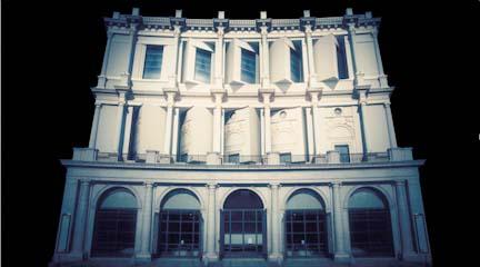 lirica  La fachada del Teatro Real se convierte en un escenario virtual