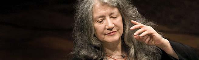 clasica  Martha Argerich con la Orquesta Da Camera en la temporada de La Filarmónica