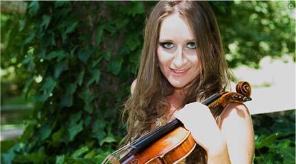 marcas  Elena Mikhailova interpreta a Sarasate con el último modelo de violín eléctrico de Yamaha