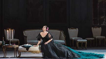 opinion  Una 'Traviata' de Valentino en Roma