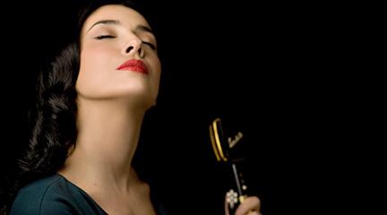 jazz  Yoio Cuesta & The Black Velvet Band inundan de jazznova las noches de Moraleja Green