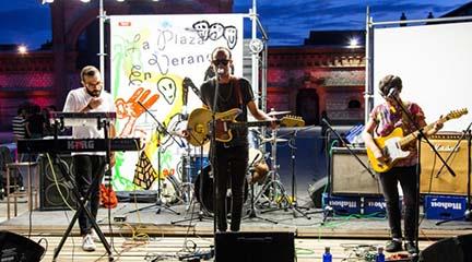 notas  La plaza en verano, conciertos gratuitos en el Matadero