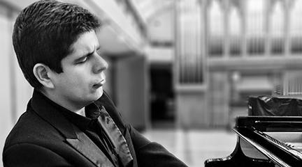 internacional  Javier Perianes debuta con la Filarmónica de Los Ángeles