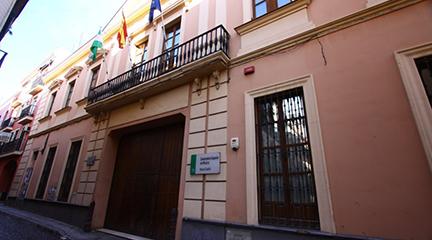 opinion  Cuerpo de Profesores de Música y Artes Escénicas de Andalucía piden que las oposiciones de su especialidad se convoquen en 2018 para evitar efecto llamada