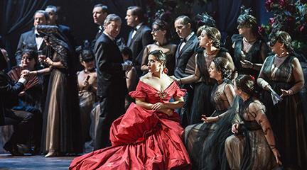 lirica  Una Traviata vestida de Valentino y con Plácido Domingo y Sofía Coppola llega al Palau de Les Arts