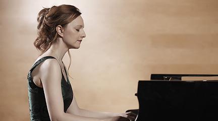 clasica  Gala Chaikovski con la pianista Varvara Nepomnyashchaya en los Ciclos de la Filarmónica