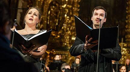 notas al reverso  Cracovia se vuelve francófona en Semana Santa