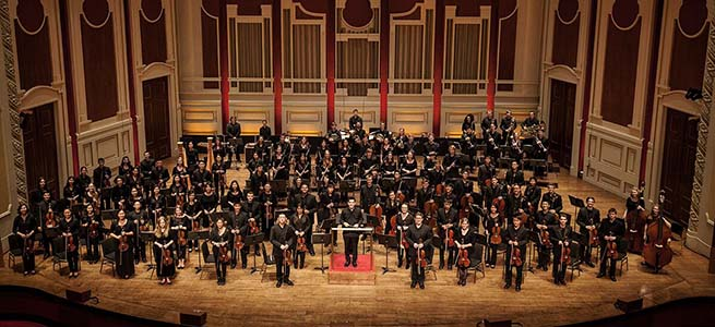 festivales  La Pittsburgh Youth Symphony Orchestra, alrededor de Strauss y Chaikovsky
