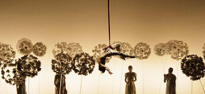 contemporanea danza  Teatro acrobático e imágenes oníricas en La Verità, de la Compagnia Finzi Pasca