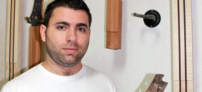 entrevistas  Alejandro Ramírez, entre guitarras y bajos eléctricos artesanos