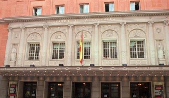 notas  Concentración a favor del Teatro de la Zarzuela