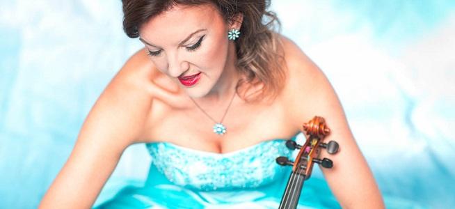 clasica  La violinista británica Tasmin Little toca esta semana con la Real Filharmonía de Galicia