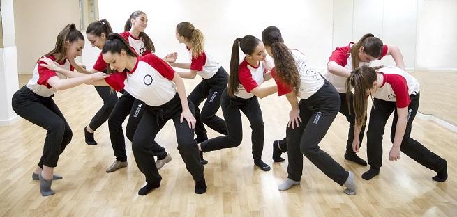 cursos de verano 2018  Cursos de la Academia de Danza Stardanze
