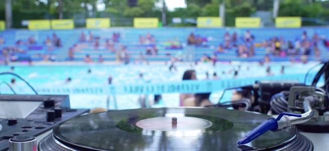 notas  Madrid suena, música en la piscina y en el parque en Veranos de la Villa