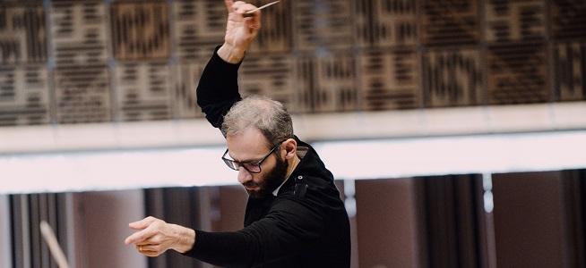 notas  La Sinfónica de Galicia abre al público las sesiones de las clases magistrales de dirección orquestal con Dima Slobodeniouk