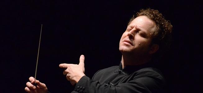 clasica  John Axelrod y la ROSS estrenan Amadeus en España