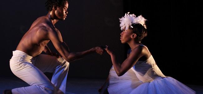 contemporanea danza  Llega al Teatro Arriaga un impactante Lago de los Cisnes, que mezcla ballet de puntas, danza contemporánea e influencias africanas