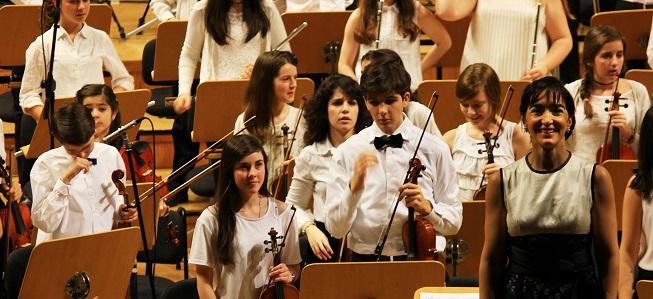 clasica  Concierto solidario de la Orquesta Infantil y juvenil EOS dirigida por Silvia Sanz Torre