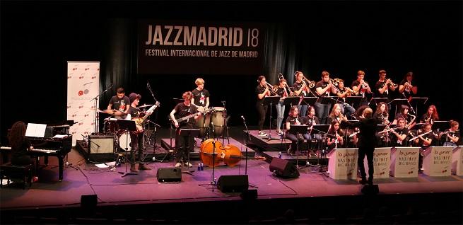 actualidad de centros  Presentación oficial del disco debut de la Creativa Junior Big Band que dirige Patxi Pascual, en la Sala Galileo Galilei
