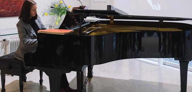 clasica  Chopin y la literatura para piano. Conciertos de piano comentados en la Galería Toro