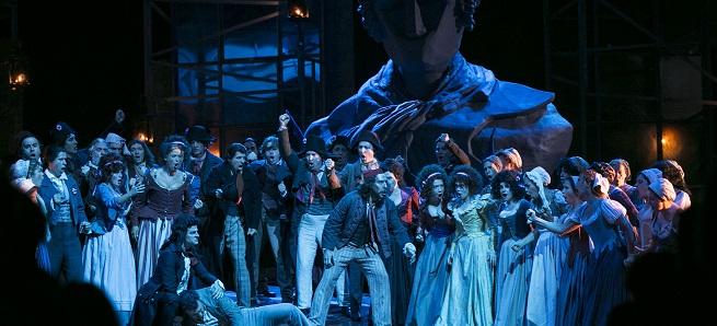 lirica  Andrea Chénier sube al escenario del Teatro de la Maestranza