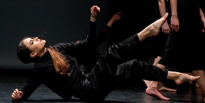 contemporanea danza  La Boîte des Rêves por EBB Company en el Institut Français