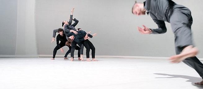contemporanea danza  El Festival Cádiz en Danza, con 31 compañías de ocho países, lleva la danza contemporánea a todos los rincones de la ciudad