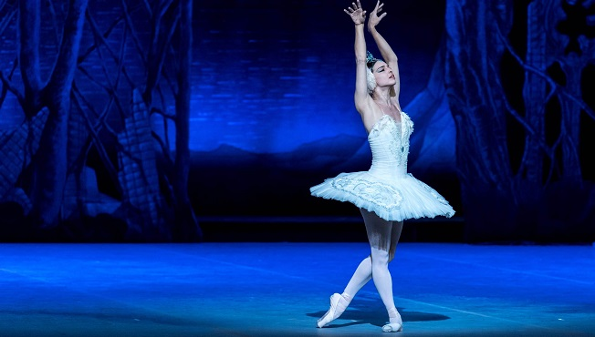 clasica danza  El Ballet Nacional de Cuba vuelve a los Teatros del Canal con El lago de los cisnes y La Cenicienta