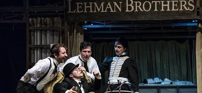 notas  Vuelve a los Teatros del Canal el éxito de la temporada pasada: Lehman Trilogy, de Sergio Peris Mencheta
