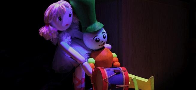 para ninos  La caja de juguetes de la Compañía Etcétera, en el FIS