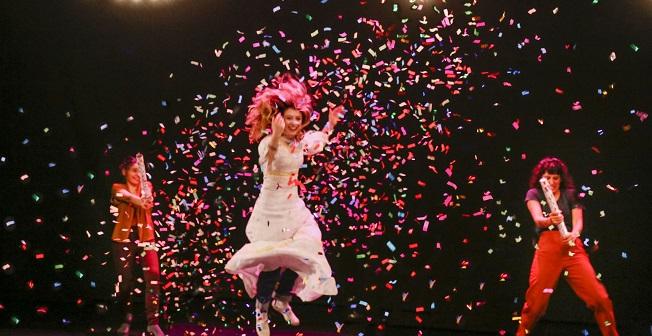 contemporanea danza  XVII Muestra Internacional de Danza y Teatro Contemporáneo de la Sensación